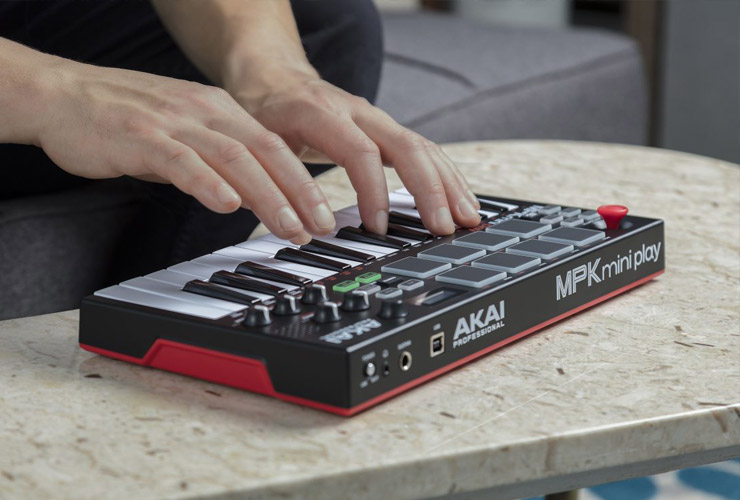 New: Akai MPK Mini Play MIDI keyboard