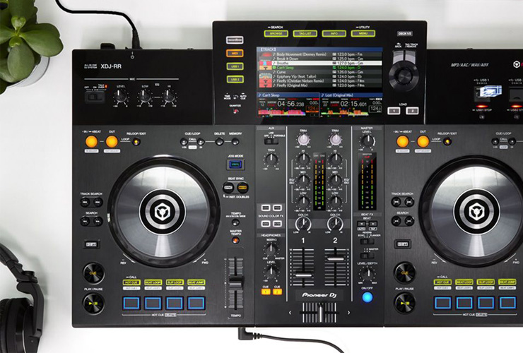 New: Pioneer XDJ-RR DJ controller